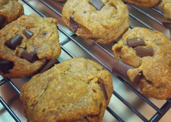 Gluten free AND vegan chocolate chunk cookies